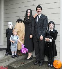 Addams Family Costumes Halloween 33 Family Halloween Costumes Images Family