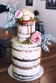 20 trendy drip wedding cakes that make your dessert table totally