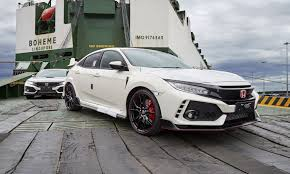 honda civic type r 2018 news honda australia rolls carpet out for new civic type r