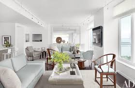 vicente wolf crafts a spacious and serene new york city apartment