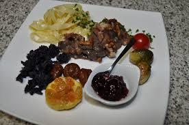 cerf cuisine civet de cerf aux lardons et chignons les recettes de cuisine