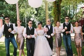 wedding dress garden party a vintage garden party wedding in vancouver weddingbells