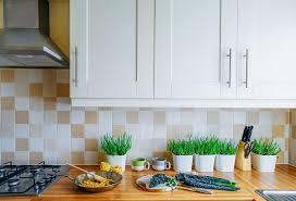 white shaker kitchen cabinets backsplash 20 ways to make shaker cabinet doors and style your kitchen