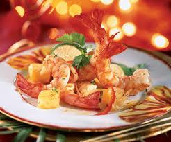 cuisiner des gambas recette avec astuce de cyril lignac gambas sautées à l ananas