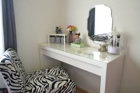 White Bedroom Vanity With Lights Tips Mirrored Makeup Vanity Vanities For Gallery And With Lights