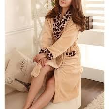 robe chambre polaire femme robe de chambre polaire femme léopard beige lepeignoir fr
