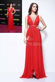 red cocktail red short plunging neck red cocktail mini celebrity selena gomez