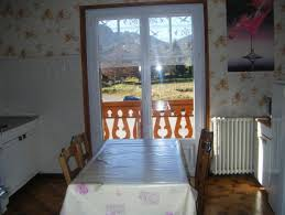 porte battant cuisine cuisine avec porte fenetre 15452354 porte fenetres aluminium