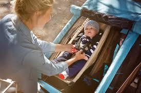 quel age sans siege auto a quel âge transporter un enfant dans une remorque vélo