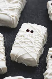 rice krispie treat mummies recipe halloween party treats