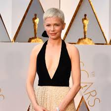 oscars 2017 red carpet hair michelle williams u0027s short pixie cut