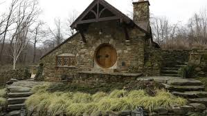 real hobbit house beautiful real life hobbit house is straight out of the shire