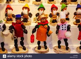 zwetschgenmaennla traditional figurines made of prunes