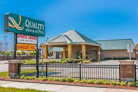 Comfort Inn Waterford Quality Inn Hotels In Livonia Mi By Choice Hotels