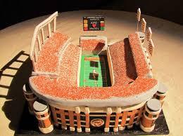 unique wedding cake ideas grooms cakes sports arena gallery