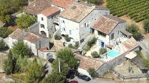 chambre d hote ardeche avec piscine maison en pierres avec chambres d hôtes dépendances et piscine à