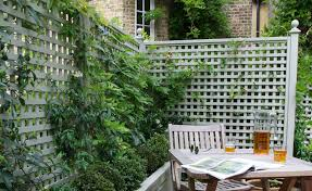 Metal Garden Trellis Uk Garden Fencing For Period Homes Period Living