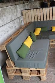 canapé de jardin en palette construire un salon de jardin en bois de palette aménagement