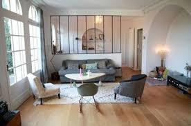 cuisine et salon une verrière intérieure pour séparer la cuisine et le salon
