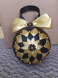 hcd004 baubles black gold handmade