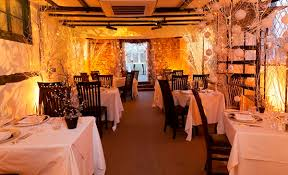 Decoration For Christmas Restaurant by Decorating A Restaurant With How To Decorate A Restaurant For