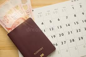 bureau pour passeport vue supérieure le passeport ont l argent liquide de singapour à l
