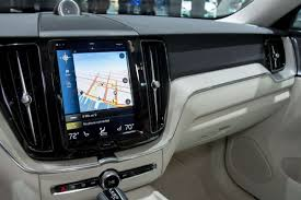2018 Xc60 2018 Volvo Xc60s Touchscreen Is More Logical News Cars Com