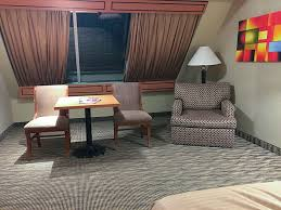 One Bedroom Luxury Suite Luxor Checking In Luxor Pyramid Deluxe King Room U2022 Vegas Bright