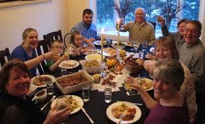 thanksgivings dinner 10 types of people at thanksgiving dinner
