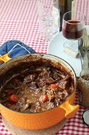 cuisiner un boeuf bourguignon la recette du boeuf bourguignon avec une sauce délicieusement