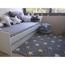 tapis pour chambre bébé garçon tapis bébé gris en coton lavable etoiles tricolores bleu par