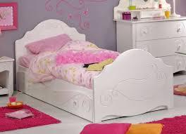 chambre d enfant but but chambre enfant inspirations avec lit baldaquin fille but chambre