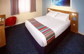 Hotel TRAVELODGE LONDON TEDDINGTON  Great Prices At HOTEL INFO - Travelodge london family room