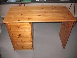 bureau en pin bureau enfant en pin occasion en offres mai clasf maison