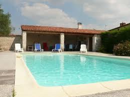 chambres d hotes marais poitevin suite familiale avec piscine le clos de la vigne en sud vendée