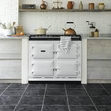 carrelage gris cuisine carrelage gris avec quelles couleurs l associer idées conseils