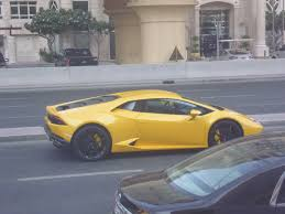 koenigsegg dubai saw this huracan stuck in traffic in dubai