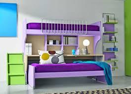 hochbett mit schreibtisch und sofa kinder hochbett mit schreibtisch und lagerschränken ausgestattet