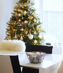 decorating for christmas chez online stylist the online stylist