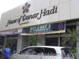 Toko Batik Danar Hadi tempat wisata di jalan jajan hemat