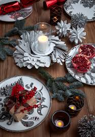 how to decorate a naturally stylish christmas table tree