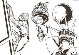 coloriage spiderman dans la ville de newyork avec la status de la