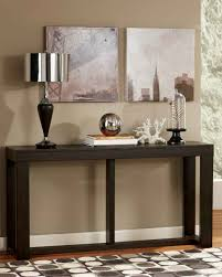 Accent Table Decor – round accent table decorating ideas