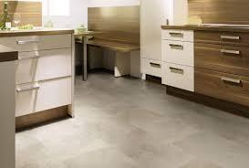 vinylboden für küche steinoptik dekor klick vinyl vinylboden raumtrend hinze