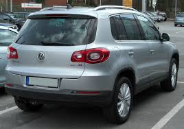 volkswagen tiguan black 2010 file vw tiguan 2 0 tsi rear 20100403 jpg wikimedia commons