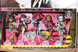 monster dolls gloom beach 5 pack cleo draculaura ghoulia