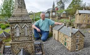 Miniature Gardening Com Cottages C 2 Miniature Gardening Com Cottages C 2 Builder Scales Down His Work And Creates Three Miniature Villages