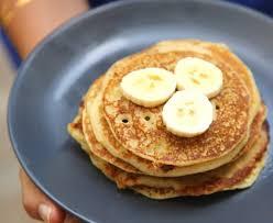 pancakes à la banane recette de pancakes à la banane marmiton