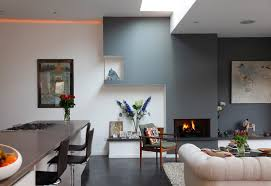 painted wall accents for modern family house architecture design