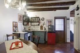 porte de la cuisine location appartement venise italie description arsenale